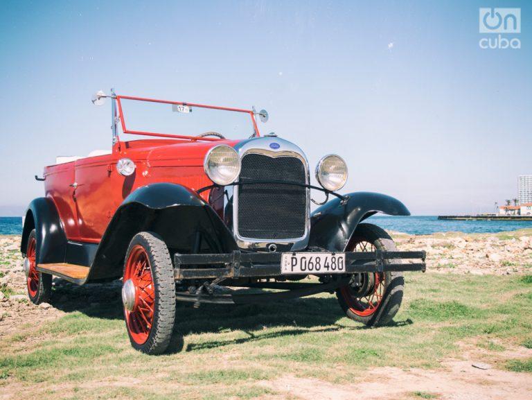 Autos antiguos en Cuba. Patricio Herrera Vega.